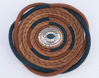 Sarcelle d'hiver et miel couleur pin aiguille panier Concho Centre-article 828 par Susan Ashley