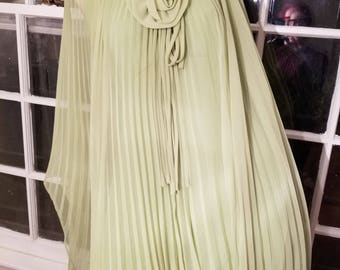 FREE  SHIPPING  Designer  Accordion  Pleated  Gown