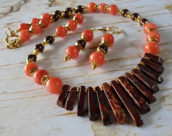 Peach, Brown and Gold Necklace and Earrings (4360)