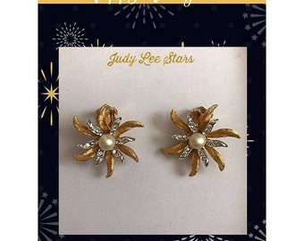SPRING SALE Mid-Century Judy Lee Earrings / Beautiful Gold Plated Stars with Rhinestones and Faux Pearls / Designer Earrings