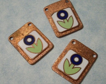 3 Vintage Brass Tulip Tile Charms Tulip Charms Vintage Flower Charms