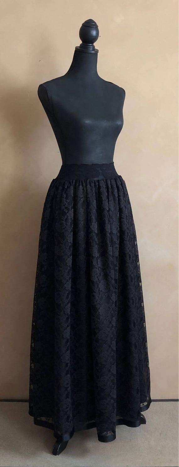 Vintage Gorgeous Black Lace Skirt -   Bergdorf Goodman - On The Plaza New York -