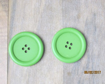 2 wood, green, 40mm, 4 hole buttons
