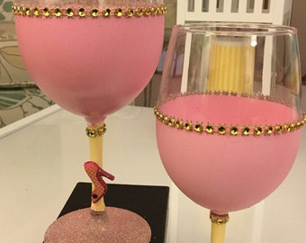 Pinky - Set of 2 Wine Glasses with Shoe Embellishment