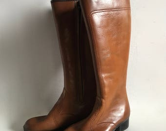 Vintage Shoes Women's 70's Brown Boots by Sears (Size: 6)