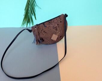 cork bag brown, vegan bag, moonbag cork, hallfmoonbag, vegan clutch, cork clutch, brown, flecked