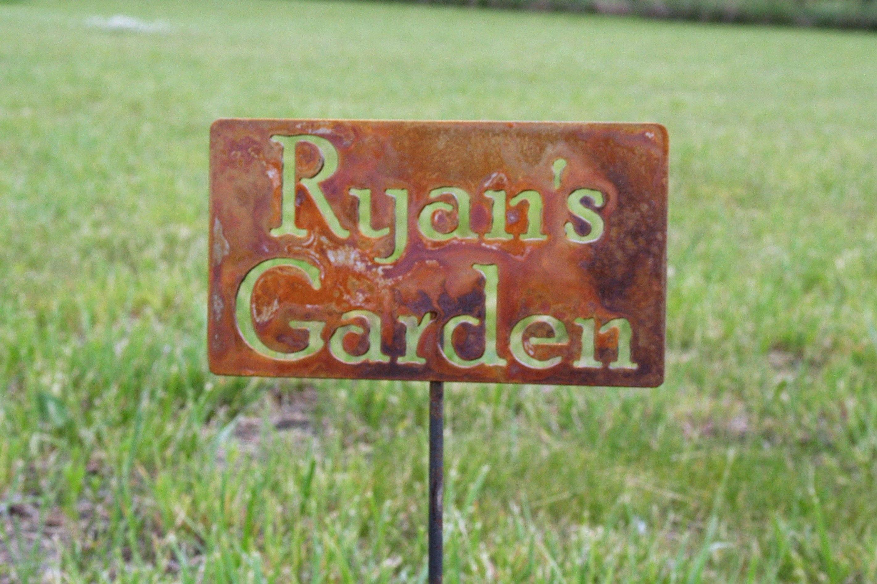 Custom Garden Stake, garden marker, Gardener Gift, Mom\'s Garden ...