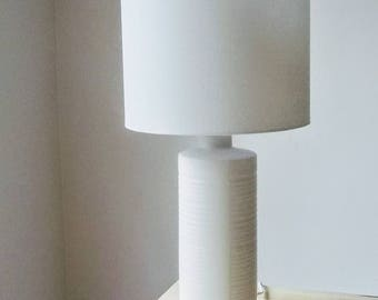 White Ceramic 80u0027s Lamp Cylinder Gentle Ridges Tall Column Simple Modern  Table Lamp