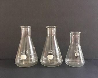 Vintage Chemistry Glass - Pyrex Glass Beakers - Laboratory Glass Measuring Beakers -Chemistry Lab Glassware - Industrial Decor Science Decor
