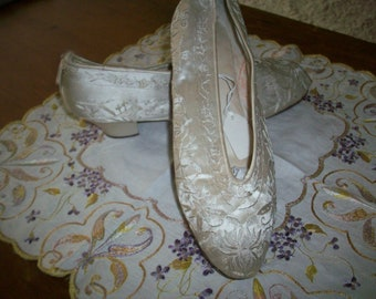 Antique silk gorgeous shoes 1900 wedding embroidered