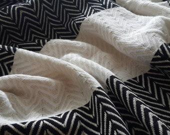 BohoChic throw towel - Yoga towel mat - Chevron ZigZag fouta - Woven Cotton towel - Luxurious towel throw - Yachting towels