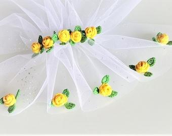 Wedding crochet rose Small crochet flower Wedding dress decor Rose flower applique Wedding applique Crochet flowers set of 5 Yellow applique