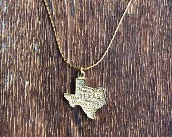 Vintage Texas Charm Necklace - Gold Charm Necklace - Texas Necklace - Texas Jewelry - State Charm Necklace - Texan Gift- Unique Charm