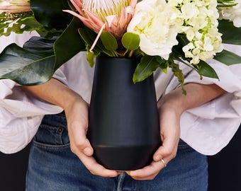 Black Porcelain Vase For Your Modern Minimalist Home//Matte Black Ceramic  Vase For Flowers