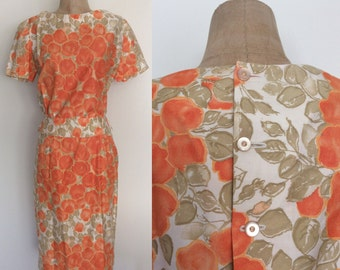 1960's Peach Floral Print Skirt & Top w/ Button Up Back Size Small by Maeberry Vintage
