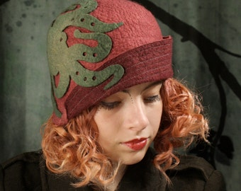 Cloche Hat in Mauve With Gray Kraken - Mauve Cloche - Cloche Hat - Kraken Hat -Mauve Hat - Hat With Kraken Pattern - Hand Felted Hat