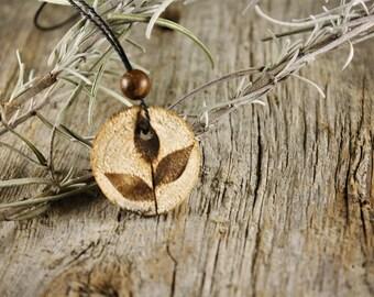 Wood pendant / / flowers