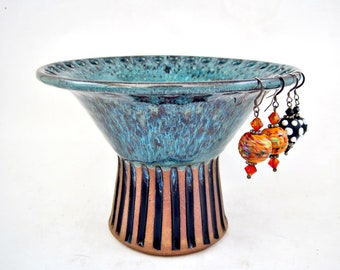 Pottery earring holder, Earring organizer, Ceramic jewelry holder - In stock