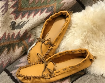 Vintage Deerskin Slip On Moccasins Shoes Never WORN like NEW Mens size 9.5