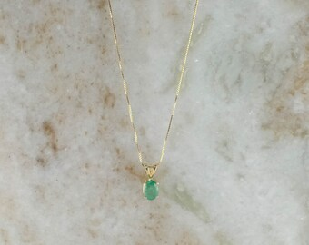 """14K Yellow Gold 0.85ct Oval Natural Emerald Pendant & 18"""" Box Chain"""