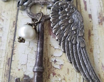 Vintage style necklace/Vintage key/key necklace/Vintage key necklace /Angel wing jewelry/ key necklace/ For the love of junk co