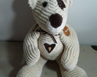 Beige brown bear