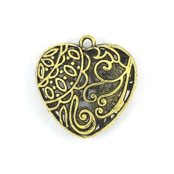 "Great charm - gold color ""3D heart"""