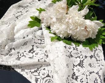 Stunning Wedding Luxury Classical Lace Shawl/Ivory Bridesmaid Shawl/Wedding Ivory Lace Scarf Rectangular or Triangular/Bridal Lace Wrap