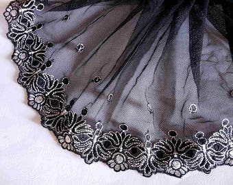 lace embroidery on black tulle white refined 24cm wide x1m