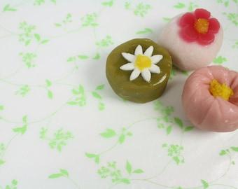 Semi Transparent Green Vine Leaf Motif Wax Paper Baking Cookie Sandwich Gift Wrap (25 sheets)