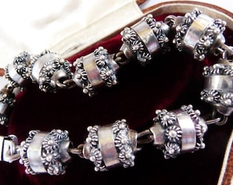 vintage Mexican sterling silver bracelet | Etruscan beads | 1940s Mexican silver | Frida style Mexican silver jewelry | 1940s