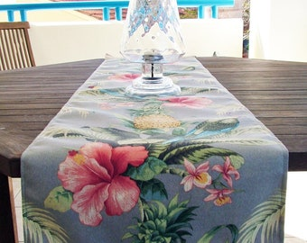 TABLE RUNNER - Outdoor - Tropical Parrots