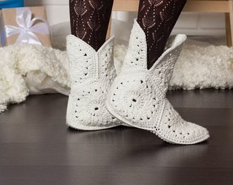 Crochet Slippers, Handmade Shoes, Knitted slippers, Crochet Slipper Boots, Holiday gifts, House Shoes, Gift for Her, Custom Size.