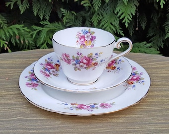 Vintage Aynsley Trio perfect for your Afternoon Tea, a Garden Party, Vintage Tea Party or any time you simply fancy a cup of tea!
