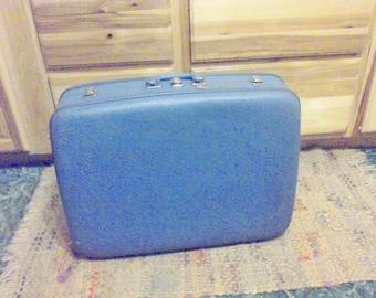 Vintage Blue suitcase, Stacking suitcase, with key Areopak, vintage luggage