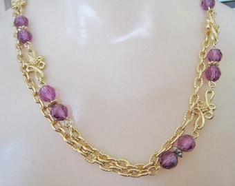 Avon Single Strand Gold Tone w/ Purple Accents Necklace