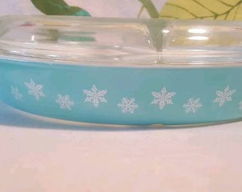 Vintage Pyrex Turquoise Snowflake Divided Dish with Lid
