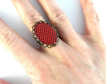 Oval Ring adjustable square motif black and Red cabochon