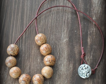 Island Stroll Necklace