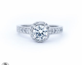 Round Cut Diamond Engagement Ring, Engagement Ring,Diamond Ring, Diamond Engagement Ring,Ring W/ Halo,Single Halo Engagement Ring | LDR02232