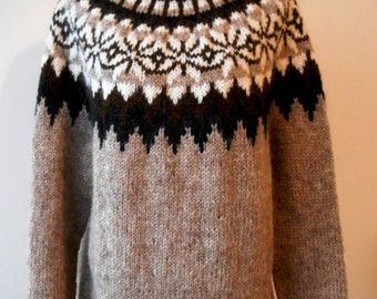 Beautiful sweater Icelandic / Original / Lopapeysa