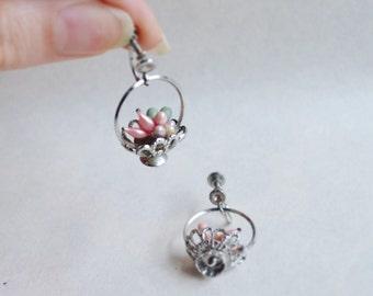 1940s Novelty fruit basket screw back earrings / 40s silvertone cluster drop earrings