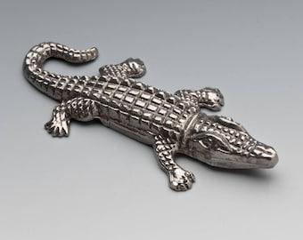 Alligator (L)