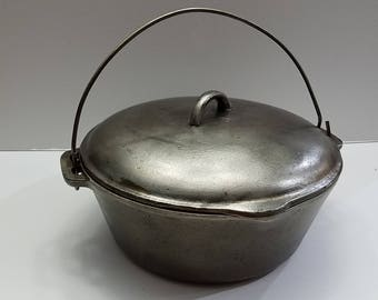 Vintage #8 Birmingham Stove and Range Co. Dutch Oven with Bail Handle & Cover