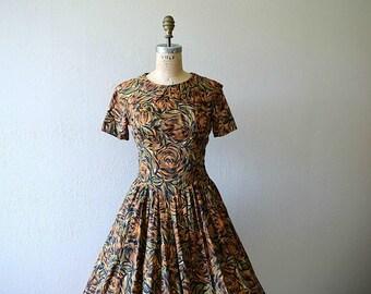 50% SALE . Vintage 50s dress . 1950s brown rose print dress