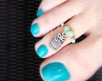Owl Toe Ring, Owl Charm Ring, Green Jade Crystals, Stretch Bead Toe Ring