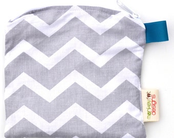 X Small 6.5 x 6.5 Wet bag / Reusable Snack Bag / Toys / Electronics / Grey Chevron Fabric / Sealed Seams