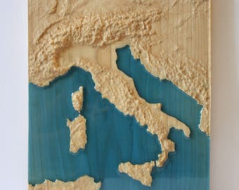 Italy map wood