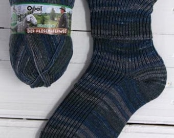 Schafpate sockyarn Opal 4ply 425 meter 100 g (465 yards) with free sock knitting pattern navy blue grey quality sockwool colours Nr. 9413