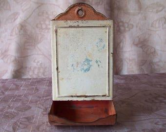 Vintage matchbox holder.  B843-2.